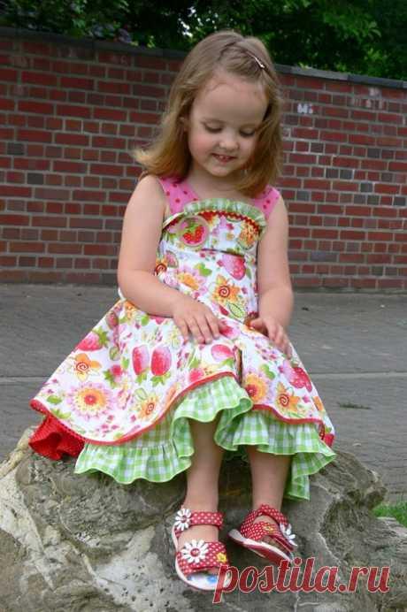 Яркий летний сарафанчик для маленькой модницы — Рукоделие