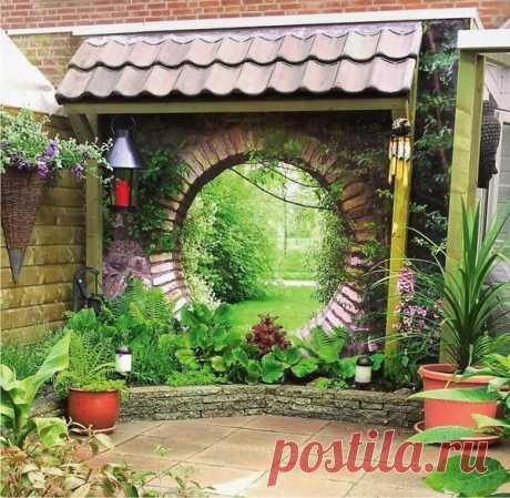 Дизайн маленького участка перед домом: высокие грядки из канализационных труб, проход в стене, живой забор, необычные клумбы | Декорочка | Яндекс Дзен