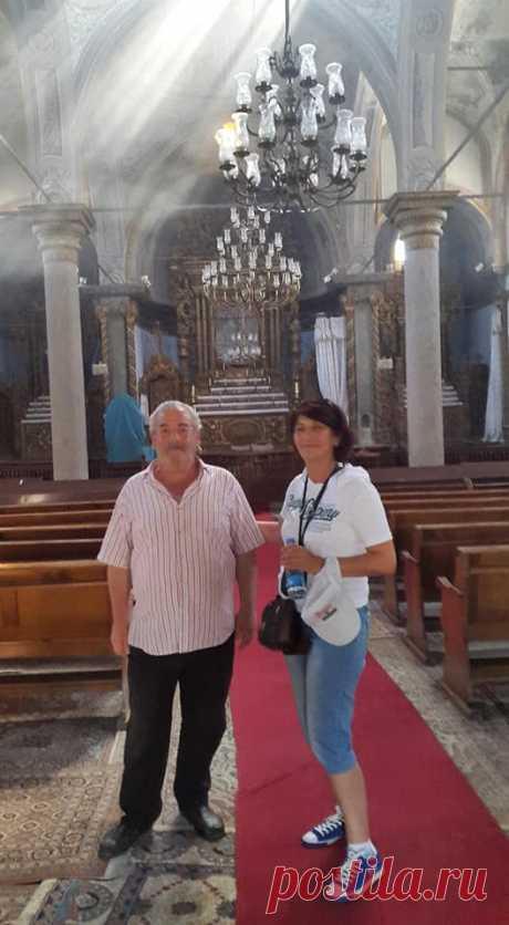 Կեսարիայի միակ հայը Այս լոււսանկարում իմ կողքին Կեսարիայում ապրող միակ հայն է՝պարոն ..Կարապետը,որը ցավոք հայերեն չէր կարողանում խոսել,չնայած որոշ չափով հասկանում էր...Սուրբ Գրիգոր Լուսավորիչ գործող հայկական եկեղեցու պահակ վերահսկիչը... ով ընտանիքը Ստամբուլում թողել, եկել պահպանում է Սուրբ Գրիգոր եկեղեցին: