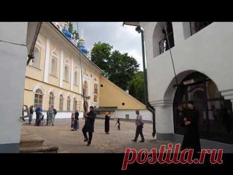 Колокольный звон в Псково - Печерском Монастыре ...