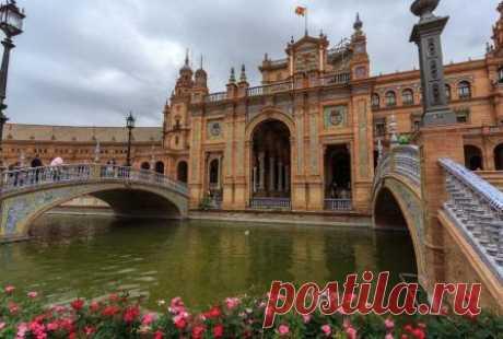 Севилья, достопримечательности и описание, посмотреть на карте города Севилья, Испания: достопримечательности города с описаниями и фото, посмотреть на карте. Исторические места Севильи, которые обязательно надо посетить туристам в Испании.