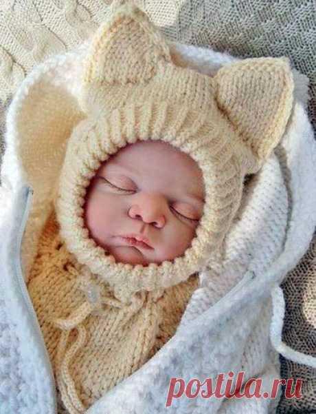 """Шапка-шлем """"Лисенок Вук"""" Схема и инструкция вязания спицами шапки-шлема """"Лисенок Вук""""для новорожденного"""