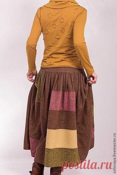 Теплая шерстяная юбка со сборками на кокетке. - коричневый,однотонный