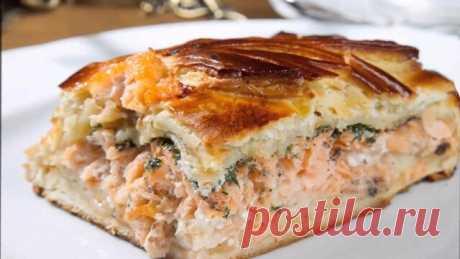 Готовим самый бюджетный пирог   Ингредиенты:     кефир 1ст.,   сырое яйцо 1 шт.,   мука 1 ст.,   сода  ч.л.    Начинка:   рыбные консервы 1 б. (можно по вкусу и любоые),   отварные яйца 2 шт.,   любая зелень, сыр 50 г.    Приготовление:    Начинаем с приготовления теста. Смешиваем все ингредиенты и выливаем в смазанную маслом форму.  Рыбу отделяем от масла и разминаем вилкой. Добавляем мелко нарезанные яйца и зелень. Сыр натираем на мелкой терке.Начинку выкладываем в форму...