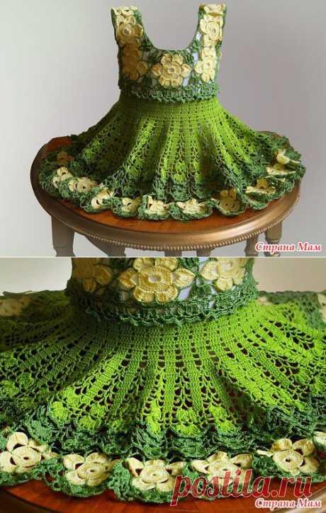 Зеленое цветочное платье для маленькой модницы.