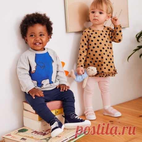 Тратите много времени, придумывая стильные наряды для ваших малышей? 💕 С нашей новой коллекцией стильных костюмчиков и очаровательных моделей подобрать модные образы вашим деткам будет очень просто! Эти новинки представлены в продаже только в нашем интернет-магазине. Свитшот и легинсы: 0767228 #HMKids