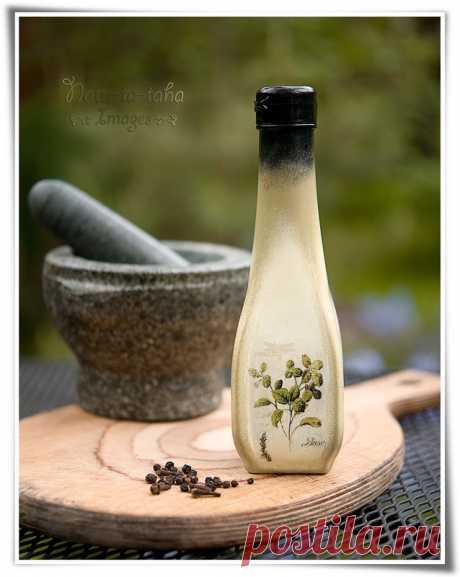 Decoupage a small bottle for vinegar