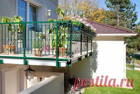 Балкон в частном доме: виды, отделка и дизайн (50 фото) Какие бывают виды балконов в частном доме? Плюсы и минусы,  материалы, расположение, дизайн и формы, навесы, фото в деревянном доме.
