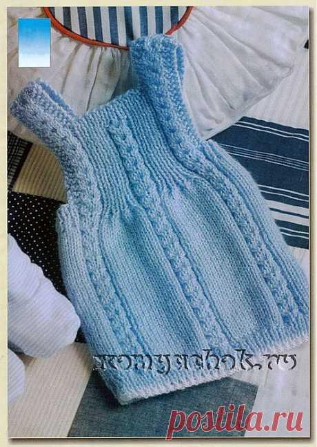 """Детское вязаное платье """"Голубая лагуна""""."""