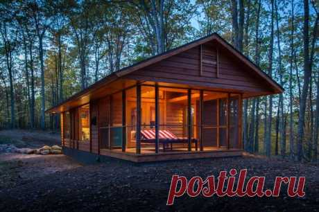 How a talented architect makes an RV look like a charming cabin in the woods : TreeHugger