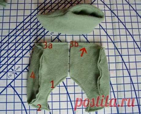 Вот такие оригинальные тапочки могут получиться из старого свитера.