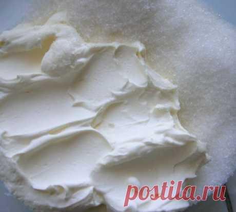 Секрет густого крема из сметаны без загустителей для торта