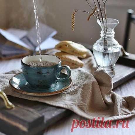 День должен начинаться с прекрасного.... Удачи вам, везения, тёплых улыбок и хорошего настроения! С добрым утром!