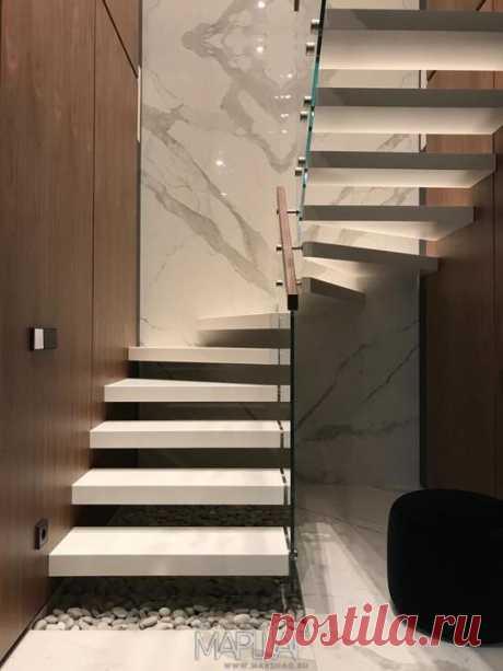 Изготовление лестниц, ограждений, перил Маршаг – Консольные лестницы с ограждением стеклянным