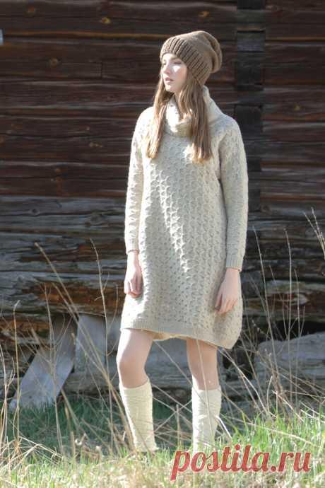 Платье оверсайз спицами с воротником хомут - Портал рукоделия и моды