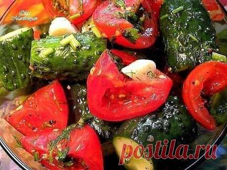 Los tomates-pepinos rápidos poco salados. El modo de la preparación le asombrará exactamente \u000a\u000a\u000aLa gollería\u000a\u000a\u000a\u000a\u000a\u000a\u000a\u000a\u000a\u000aNos serán necesarios 6 korotkoplodnyh de los pepinillos, 3 medios del tomate, 2 art. l.soli, la cuchara media de té del pimiento en grande-molido negro, 5 gajos del ajo, el manojo de la verdura (el hinojo).\u000aTomamos dos polie …