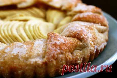Яблочная шарлотка, шарлотка, шарлотка с яблоками рецепт, простой рецепт шарлотки, пирог шарлотка