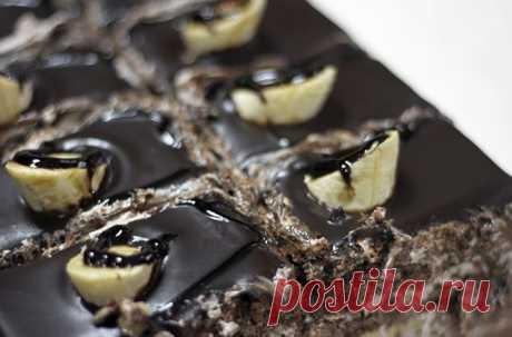 ბანანის ტორტი შოკოლადითა და ყავის კრემით