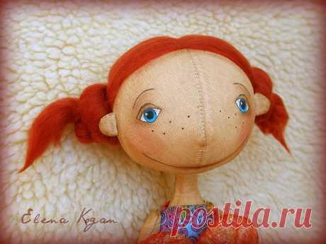 Кукла тыквоголовка мастер класс, выкройки без шва на лице Украсьте свой интерьер при помощи симпатичной куклы-тыквоголовки. Такую текстильную куклу легко пошить самостоятельно, руководствуясь детальным мастер-классом. Ее можно подарить ребенку или попросту использовать как декор для вашего дома.
