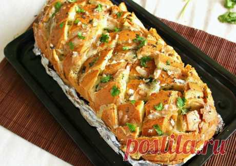 Хрустящий батон с сыром и чесноком — Sloosh – кулинарные рецепты
