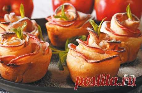 «Наливное, золотое» — пришло время блюд из яблок Яблоко нового урожая, сочное, хрумкое, ароматное — очень важный фрукт. Мера всех вещей и некоторых овощей. Например, наш любимый помидор своим названием обязан итальянскому «pomо d'oro» — «золотое яблоко»...