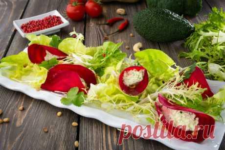 Салаты со свеклой: рецепты шеф-поваров | Журнал Cosmopolitan