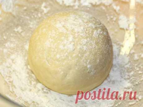 Рецепт тонкого и нежного теста для выпечки - для пиццы и пирожков | Четыре вкуса