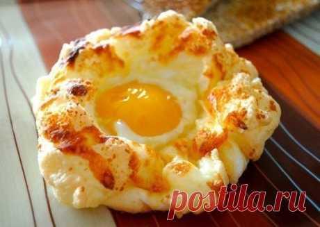 Яйца в пуховом гнезде - Простые рецепты Овкусе.ру