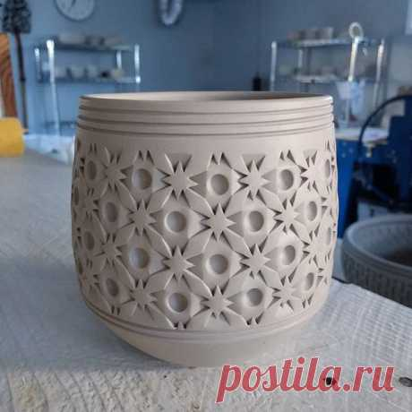 """Here's a """"mugshot"""" of a tumbler made of my latest clay I'm testing. Fingers are crossed when I stain it today.#pottersofinstagram  love_ceramic #craftsman #folkpottery  #noticingceramics #georgiesceramics #mugshotmonday #madeinaskutt #patterndesign #fractal  #centralcaliforniacoast #pottery #pottershands #design #snowflake  #claystudio  #instapottery #ceramicart #surfacepattern #basketry #madeinslo #slomade #pottery_lovers #textures #handwoven #handcraft #slolife #pottery_..."""