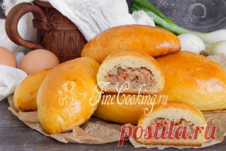 Пирожки с мясом в духовке Готовим пирожки с мясом в духовке: нежное и мягкое дрожжевое тесто, а внутри - много сочной и ароматной начинки.