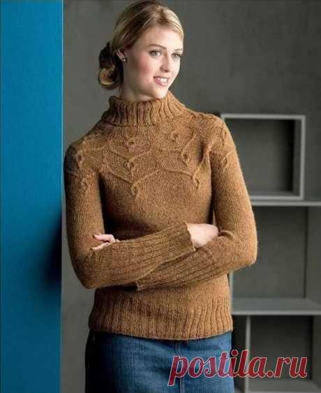 Красивый пуловер, связанный спицами