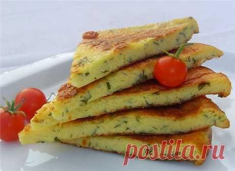 Как приготовить сырная лепешка на сковороде - рецепт, ингредиенты и фотографии