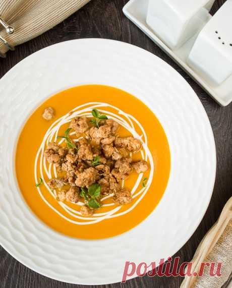 Тыквенный суп-пюре с жареным острым фаршем на Вкусном Блоге Хочу еще немного поэксплуатировать тему с тыквой – тем более, что некоторые мои читатели просили побольше рецептов с ней в этом сезоне 😉 Сегодня у меня для вас есть рецепт супа-пюре из тыквы. В блоге уже есть несколько рецептов тыквенных супов. Этот хорош тем, что подается с мясом – а…
