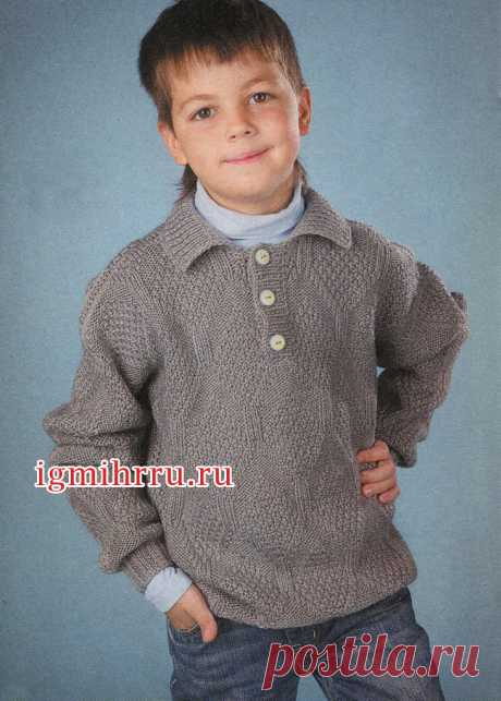 For the boy of 8-9 years. A gray pullover with a polo collar. Knitting by spokes for children