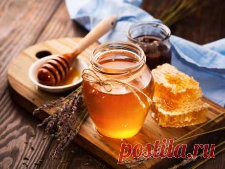 Удивительные свойства мёда для красоты и здоровья Этот сладкий продукт природного происхождения славится своими полезными свойствами, которые делают его идеальным компонентом для ухода за собой. О главных из них рассказываем в нашем материале.