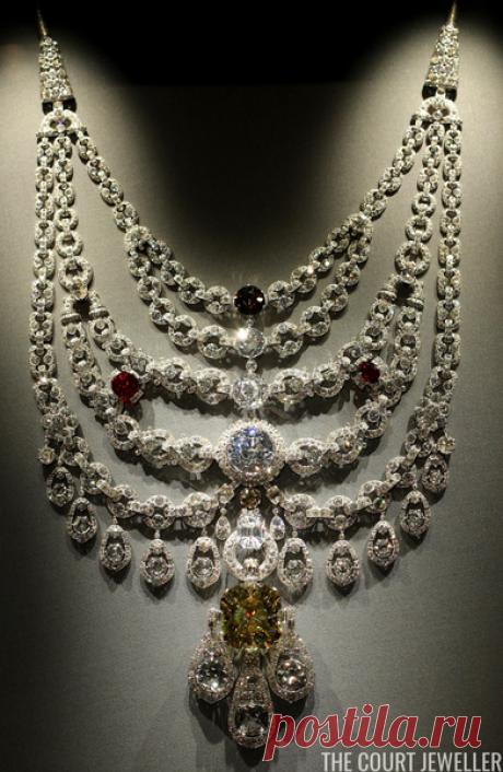 Ожерелье с тысячами бриллиантов, которое украли, а потом нашли | Шакко: об искусстве | Яндекс Дзен