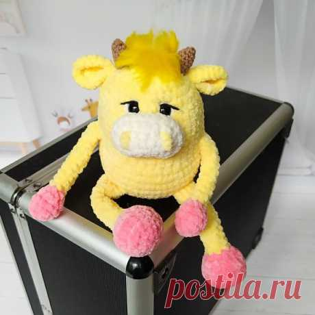 Схема вязания бычка Серёги амигуруми из плюшевой пряжи #амигуруми #вязанаяигрушка #игрушкикрючком #вязаныйбык #быккрючком #amigurumipattern #crochetpattern #amigurumibull #crochetbull