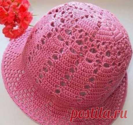 Ажурная шляпка (Вязание крючком) Ажурная шляпка послужит вам хорошей защитой от солнца. Шляпка связана крючком ажурным и в тоже время довольно плотным узором. Размер: 56 Вам потребуется: 100 г пряжи (125м/ 50г) и крючок № 2,5. Для…