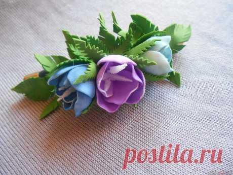 Подробный мастер-класс из фоамирана покажет как делать заколки своими руками, которые будут украшать цветы из фоамирана.