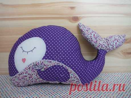 Шьем игрушку-подушку «Китенок»