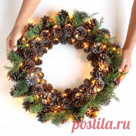 Beautiful Fast & Easy DIY Pinecone Wreath ( Improved Version!) Easy & long lasting DIY pinecone wreath: beautiful as Thanksgiving & Christmas decorations & centerpieces. Great pine cone crafts for fall & winter!