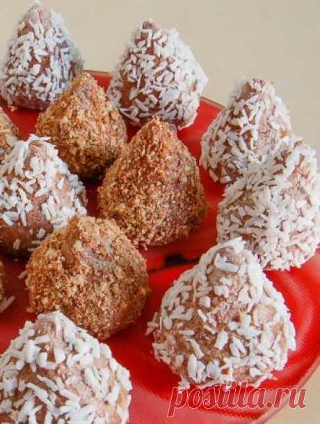 Рецепты популярных советских сладостей  Сладости родом из детства.    Сегодня сладостями никого не удивишь. Конфеты, шоколад, пирожные и торты на любой вкус можно найти без особых усилий. Правда, магазинные десерты не сравнишь с теми, что …