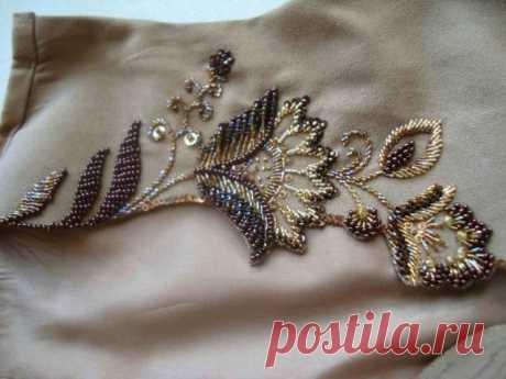 Вышивка бисером и стеклярусом на платье   Domigolki.ru