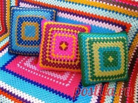 Интересные подушки из квадратных мотивов (Вязание крючком) — Журнал Вдохновение Рукодельницы
