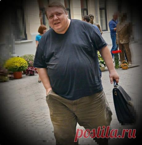 """Александр Семчев раскрыл ТАЙНУ своего похудения. Я Сбросила 17 кг за 33 дня по ЕГО необычному способу. Показываю как выглядит  Я люблю смотреть кино и как то-раз наткнулась на интервью Саши Семчева и не узнала его. Ведь в фильмах он был """"колобком"""". А на том видео стройный мужчина, хотя уже с сединой."""