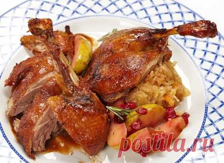 Duck with apples and honey: classical recipe