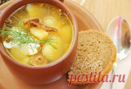 Ароматный грибной суп с манкой.