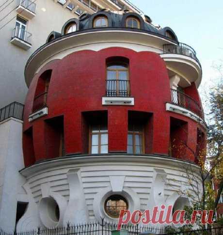 Дом-яйцо в Москве: самый оригинальный и запредельно дорогой символ «лужковской эпохи» | Тысяча и одна идея