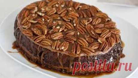Slow-Cooker Turtle Upside-Down Cake Chocolate cake baked in the slow cooker with a layer of gooey caramel in the middle. Oh and frosting and more caramel and pecans on top. YES.