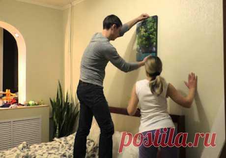 Мастер-класс: как повесить картину без гвоздей на обои